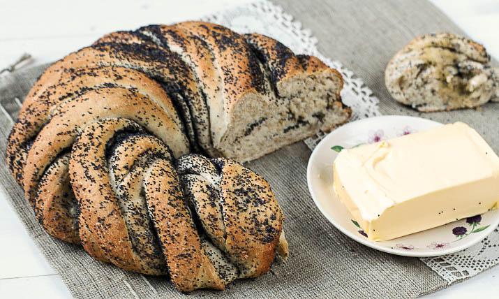 chleb drożdżowy z makiem