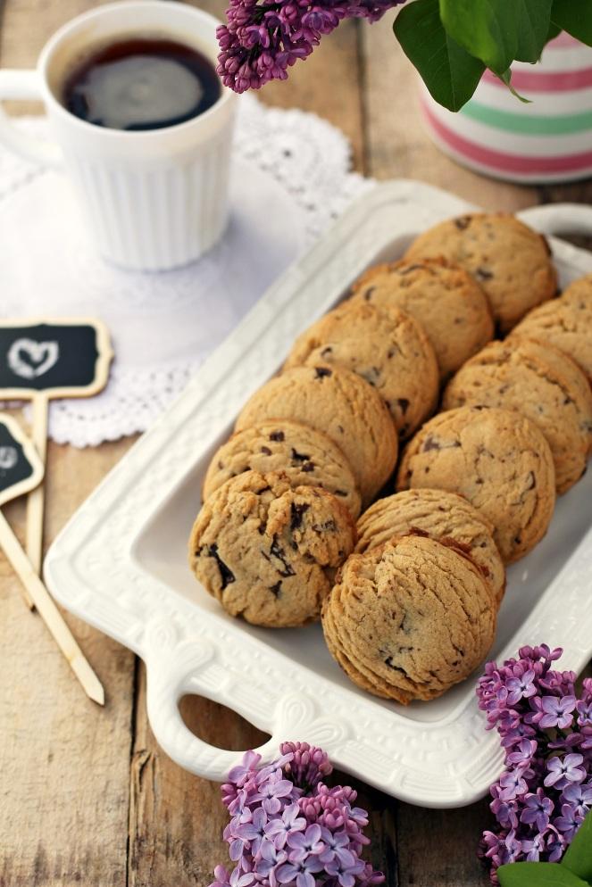 kruche maślane ciasteczka z czekoladą jak pieguski