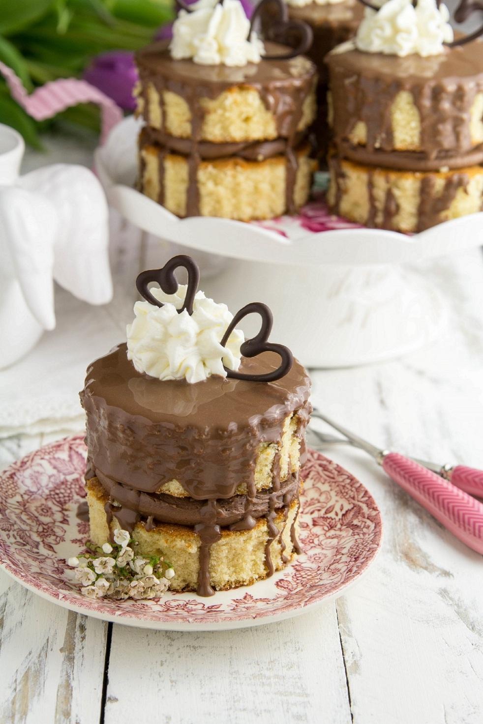 indywidualne torciki orzechowo-czekoladowe z nutellą