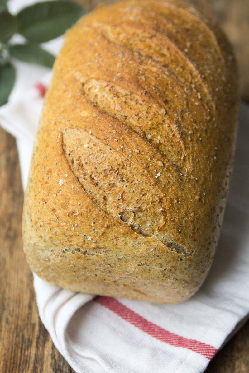 Szybki chleb pszenny mieszany z makiem...